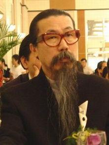 世界著名时装设计大师古川云雪先生认为,中国企业应首先找出他们的...