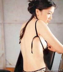 ...星之中谁的胸部形状最美 组图 2011年