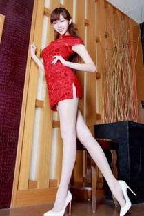 红色旗袍性感美腿美女写真