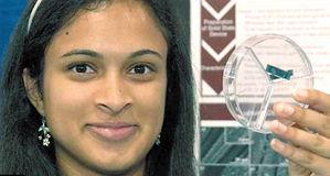 ...州萨拉托加市的18岁印度裔女生艾莎・卡瑞凭借自己发明的革命性充...
