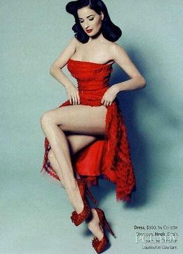 钢管舞娘珍妮佛提莉-52岁的脱衣舞娘蒂塔-万提斯 (Dita Von Teese)如今依旧美的让人惊...