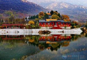 山上有座庙拍摄于龙门山 WWW.SISHUI123.COM