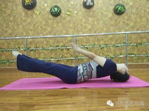 矫正驼背的瑜伽姿势