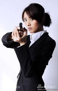 策反者 杀青 王文娜一人分饰两角受肯定