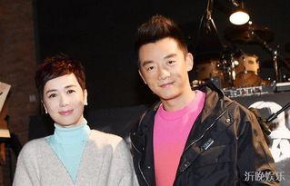 1999年,参演《牵手》夺得第19届中国电视剧飞天奖最佳女演员奖、...