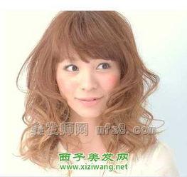 2012最流行女生长发卷发发型 2012年女生长发卷发烫发发型还是以...