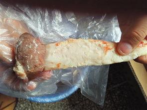 """撸一管-夏季临近,烧烤渐火,烤羊腰子成为很多食客""""撸串""""必点美食.但鲜..."""