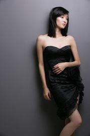 内地新锐女演员王丽坤写真