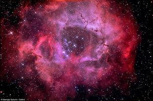 ...望远镜拍摄壮丽宇宙星云图景