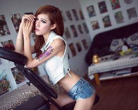 美女图片壁纸有纹身的 纹身美女壁纸图片 3