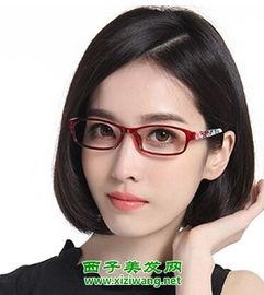 适合戴眼镜女生短发发型图片