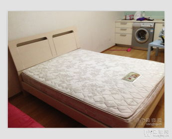 急转九成新宜家双人床,有配套品牌床垫,配套床头柜