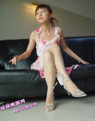 煽情的美腿丝袜少妇 休闲娱乐