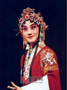 每天至少草二姨2炮-在微博中,刘桂娟毫不掩饰地表示,头冠的材料采用的是