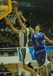 新华社照片,临沂,2005年12月7日 [体育](1)篮球DDCBA:山东...