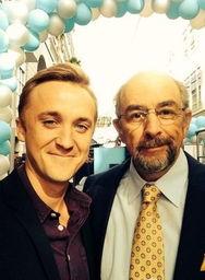 汤姆-费尔顿与理查德-希夫-哈利波特男星出柜 或为庆祝同性婚姻合法