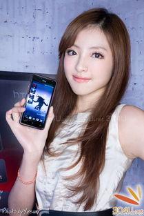 日系手机以其时尚的外观吸引着一大批粉丝,HTC如今也开始尝试日系...
