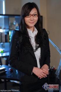 饰演者:王文娜   曾老师的顶头上司,子乔的旧情人,对外强悍内在...