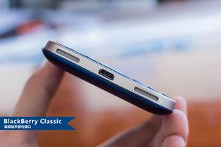 该机搭载了分辨率为720*720的3.5英寸正方形触控显示屏、主频为1.5...