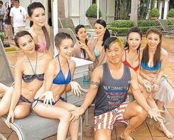 据台湾媒体报道,今年是周润发(发哥)出道40周年,记者前天直击他...