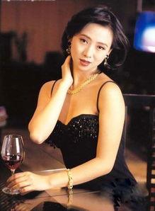 选择性的拍一些影视剧,偶尔会在综艺节目露脸.   代表作:《聊斋三...