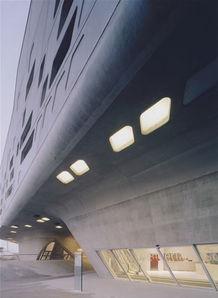 扎哈 哈迪德 世界著名建筑大师作品点评丛书 景观与建筑设计系列 意 ...