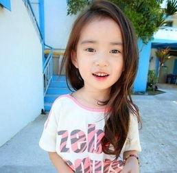 韩国卖萌小女孩