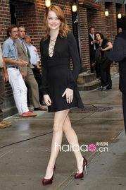 衣橱必备经典款 女星演绎小黑裙礼服