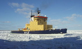 法国破冰船   瑞典破冰船   富士号(AGB-5001)破冰船,1965年服役...