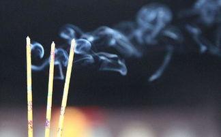 如何正确拜佛 上香的正确方法 烧香拜佛的讲究