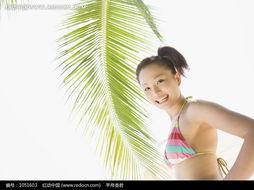 ...树下回头微笑的美女摄影图片图片 1051603