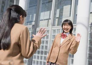 教你如何用英语打招呼 认识新同学