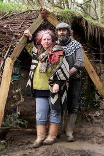 二人一起经营卖柳条篮和其他商品的商店,还为河岸加固提供幼树,一...
