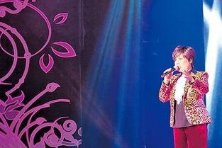 晶变云逆-逢周六演唱会,首晚登场的台湾歌星黄小琥,甫开声,旋即获得如雷掌...