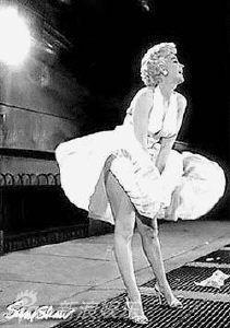 组图 玛丽莲 梦露手捂白裙娇羞带笑招牌动作