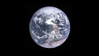 忘记那颗蔚蓝的星球吧,其实我们的地球是黑乎乎的