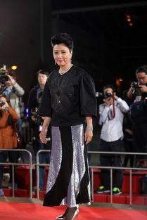 TVB万千星辉贺台庆颁奖礼红毯 女星造型遭调侃