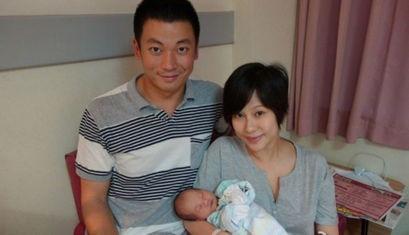 情迷黑森林》《谜情家族》之后就离开TVB .离开TVB之后签了王晶的...