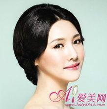 裸色与蜜桃色之间的极简色彩以过... 来学习一下韩国新娘诠释的艳色唇...