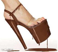 穿上巧克力做的高跟鞋
