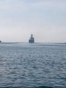 ...52D驱逐舰和039C潜艇齐聚大连某军港的照片,场面壮观.-来犯和...