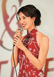 林志玲昨日收起性感,以一袭红色旗袍亮相,十分抢眼.-时尚生活文本