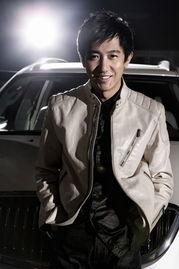 t.sina.com.cn)上透露,《摇摆de婚约》的导演鄢颇前天下午在北京街...