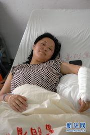 杭州女子徒手救坠楼女童 被誉最美妈妈