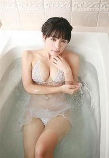 乳女神川村幸惠20日推出了她个人DVD写真最新作品《川村幸惠/Melty ...