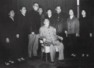 毛泽东私人医生回忆录》曾一度吸引了不少人的目光,但毛泽东身边的...