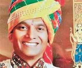 出家之后,都什将师从耆那教学者马哈拉吉,成为其第108名弟子.耆...