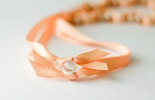 水晶手链的穿法