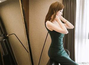 长腿气质美女模特白嫩大胸喷血诱人酒店性感写真图片 性感美女 美桌...