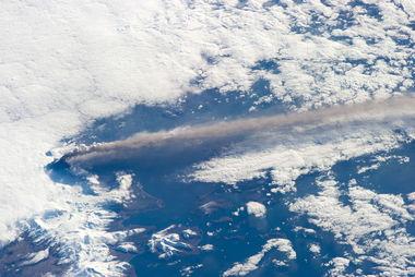 外太空拍摄地球闪电瞬间 好似世界末日 C114